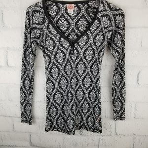 Curious Gypsy Boho Henley Style Top. Size S.
